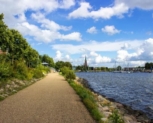 Weg entlang der Schlei in Schleswig