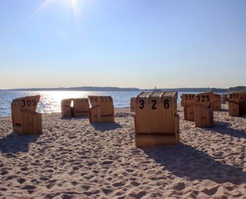 Strandkörbe am Strand in Eckernförde