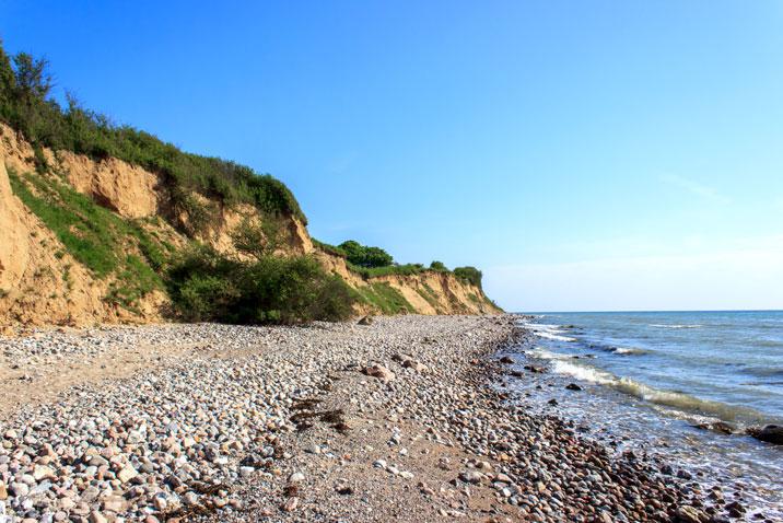 Steilküste in Klein Waabs