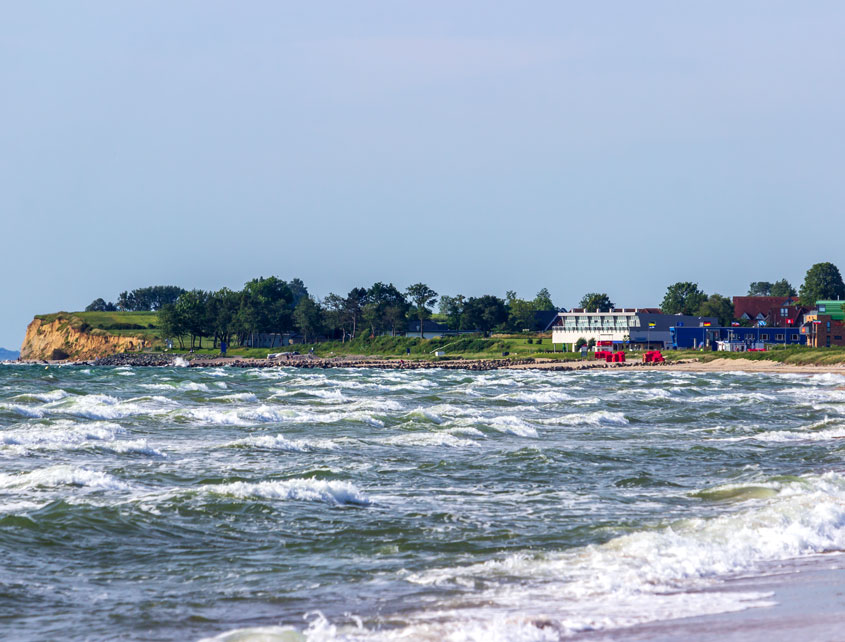 Blick auf Schönhagen vom Strand in Weidefeld